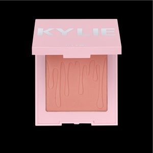 "Kylie Blush ""We're going shopping"""